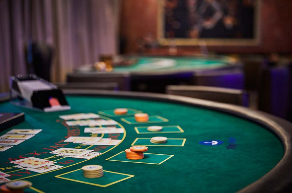 Poker online online And Love - How They Are The Same